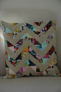 habitat pillow by quilt it, via Flickr    (matches my swoon quilt - I wonder if I could steal it from her house?)