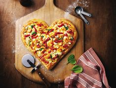The Food Network Blog. http://food-network-blog.blogspot.com/ Top 5 strange-but-nice recipes. Chocolate Pizza and hot girls.