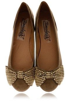 Love these ballerina flats w/ the bow