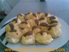 2014-05-04-roompoffertjies Cake Cookies, Sushi, Cooking Recipes, Baking, Ethnic Recipes, Afrikaans, Ladies Party, Food, Tarts
