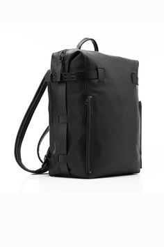 Troubadour rucksack - Tails of zipper can feature G-hook tabs so that the mouth can be widened