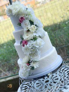 Împreuna creăm amintiri dulci. Timisoara. Dumbravita Wedding Cakes, Wedding Gown Cakes, Cake Wedding, Wedding Cake, Wedding Pies
