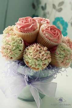 cup cakes arreglo de flores