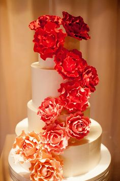 Delightful Daily Wedding Cake Inspiration. To see more: http://www.modwedding.com/2014/07/15/delightful-daily-wedding-cake-inspiration/  #wedding #weddings #wedding_cake Featured Wedding Cake: Amy Beck Cake Design; Featured Photographer:  Olivia Leigh Photography