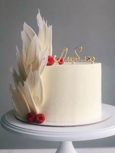 Candy Birthday Cakes, Elegant Birthday Cakes, Beautiful Birthday Cakes, First Birthday Cakes, Cake Decorating Designs, Cake Decorating Techniques, Simple Cake Designs, Cake Writing, Mini Tortillas