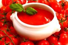 Best and easy tomato sauce recipe! Easy Homemade Tomato Soup, Easy Tomato Sauce, Easy Homemade Pizza, Snacks Homemade, Sauce Tomate Simple, Chefs, Tomato Ketchup Recipe, Tolle Hotels, Sugar Free Ketchup