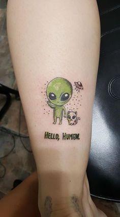olio: Aliens Tattoo by Brittany from Karma Ink Tattoo & Art Studio - Syracuse, NY. Mini Tattoos, Body Art Tattoos, Small Tattoos, Cool Tattoos, Tatoos, Outer Space Tattoos, Alien Tattoo, Piercing Tattoo, Freundin Tattoos