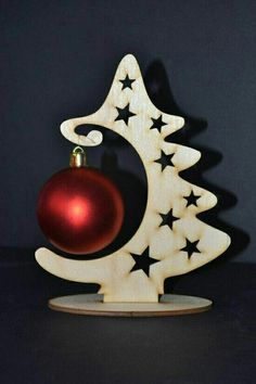 What a great way to display a special bauble. Whether it's baby's first Christmas, or your first Christmas married, or even one you bought on holiday. This will make it the focus of attention x More Mehr Christmas Wood Crafts, Noel Christmas, Christmas Projects, Holiday Crafts, Christmas Ornaments, First Christmas Married, Xmas Decorations, Diy And Crafts, Display