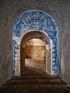 The Blue & White Tiles of Portugal~~~Archway in Setubal Portugal Portuguese Culture, Portuguese Tiles, American Pastoral, Portugal Travel, Algarve, Delft, Tenerife, Doorway, Stairways