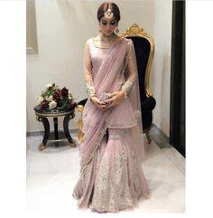 New wedding indian outfit saree Ideas Shadi Dresses, Pakistani Dresses Casual, Pakistani Wedding Outfits, Pakistani Dress Design, Bridal Outfits, Pakistani Hair, Pakistani Engagement Dresses, Lengha Design, Indian Lengha