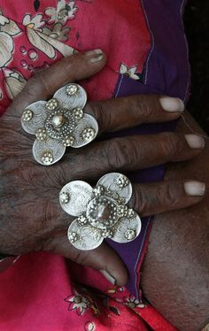 India | Details of a woman's rings in Orissa | ©Rudi Roels