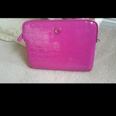 Authentic coach ipad samsung tablet case Bright pink padded leather sleeve w 2 zippers. I would love to trade this for a poppy tablet case. It's in near perfect condition. (Smudges on leather that can be wiped off with their cleaner). All offers are considered. Coach Other