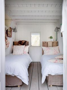 Cottage style l interior design inspirationl shabby chic decorating l small bedroom idea. 40 Timeless and Tranquil Interior Design Inspirations {Part 1} - Hello Lovely.