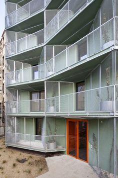 house and home decor Architecture Résidentielle, Architecture Drawings, Amazing Architecture, Irori, Social Housing, Interesting Buildings, Built Environment, Exterior Design, House Plans