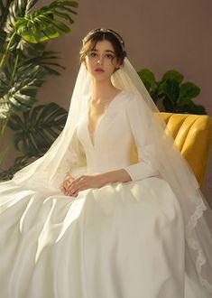 Casual Wedding Guest Dresses, Long Wedding Dresses, Long Sleeve Wedding, Bridal Dresses, Wedding Gowns, Wedding Girl, Traditional Wedding Dresses, Modest Wedding, Mermaid Wedding