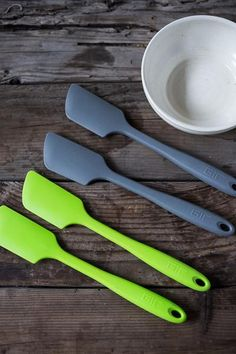 The Ultimate Spatula.hands down he best spatula Ive ever used.in all different colors.will not melt or splinter! Kitchen Utensils, Kitchen Tools, Kitchen Gadgets, Kitchen Decor, Kitchen Products, Kitchen Ideas, Modern Placemats, Food Storage Boxes, Cup With Straw