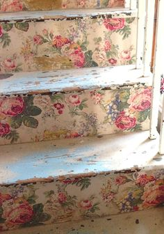 floral wallpapered stairs