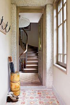 Period Tiles – Twenties Home – Hallway Design Ideas (houseandgarden.co.uk)
