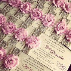 Invitaciones de lujo para tu Quinceañera que no son costosas