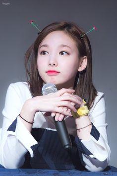 Nayeon - Twice Kpop Girl Groups, Kpop Girls, Oppa Gangnam Style, Jihyo Twice, Nayeon Twice, Twice Once, Twice Kpop, Minatozaki Sana, Im Nayeon