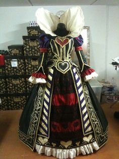 QUEEN OF HEARTS Alice Madness Returns by ARTeapot on Etsy