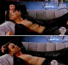 Matt Bomer as Donovan - American Horror Story: Hotel 5x01 pic.twitter.com/4jsBoZ8kyy
