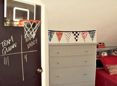 Second Chance to Dream: Teen Boy Bedroom Ideas.I especially love the chalkboard painted door with the basketball hoop on it! Also, the jerseys and former sports shirts made into pillows or hung like a locker room. Home Design, Interior Design, Design Ideas, Chalkboard Paint Doors, Kids Bedroom, Bedroom Decor, Bedroom Ideas, Basketball Bedroom, Basketball Hoop