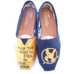 The Fighter - Gold and Black Custom TOMS! May the odds be ever in your favor Dream Shoes, New Shoes, Tom Love, Diamond Shoes, Tiny Toms, Black Toms, Hand Painted Shoes, Children In Need, Girls Best Friend