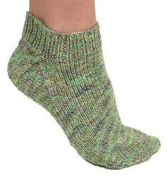 Follow this free knit pattern to create sockies using Mary Maxim Bounce Sock Yarn.