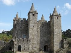 The first medieval castles erected in the 9th century were constructed of stone, timber and earth. Description from traveltips.usatoday.com. I searched for this on bing.com/images