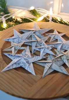 Origami Stars (mamas kram)- Origami Sterne (mamas kram) Since I have taken care of my sick dad pretty intensively in the last two weeks, there was not much time left for bigger projects. This origami star (made of newsprint, old book - Christmas Origami, Christmas Paper, Winter Christmas, Christmas Crafts, Christmas Decorations, Christmas Tree, Christmas Ornaments, Holiday Decor, Star Decorations