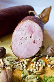 Aperitif with nuts - Clean Eating Snacks Home Made Sausage, Homemade Sausage Recipes, A Food, Food And Drink, No Cook Appetizers, Bacon Sausage, Polish Recipes, Polish Food, Smoking Meat