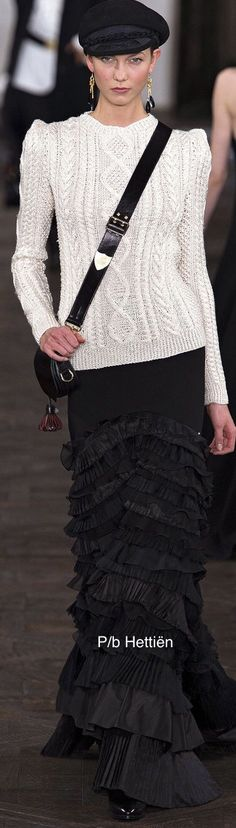 New York Fashion, Runway Fashion, Fashion Models, Fashion Show, White Fashion, Trendy Fashion, Fashion Styles, Dress Illustration, Ralph Lauren Style