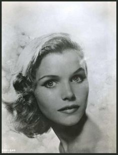 Lee REMICK * AFI Top Actress nominee > Active > Born Lee Ann Remick 14 Dec 1935 Massachusetts > Died 2 July 1991 (aged California, kidney and liver cancer > Spouses: Bill Colleran div); Kip Gowans her death) > Children: 2 Hollywood Actor, Hollywood Actresses, Actors & Actresses, Hollywood Icons, Vintage Hollywood, Hollywood Glamour, Classic Hollywood, Luise Rainer, Lee Remick