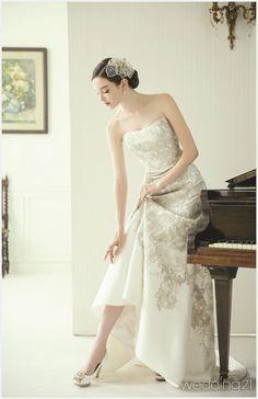 Wedding Dress Styles, Bridal Dresses, Wedding Girl, Weeding Dress, Queen Dress, Europe Fashion, Quinceanera Dresses, Bridal Collection, Beautiful Bride