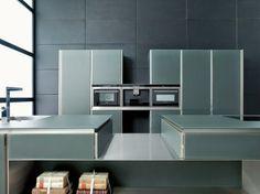 Cuisine #design en verre gris anthracite