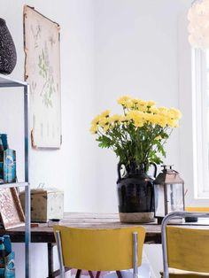 Vase, Interior Design, Home Decor, Nest Design, Decoration Home, Home Interior Design, Room Decor, Interior Designing, Vases