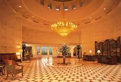 Located close to the Taj Mahal, The #Oberoi #Amarvilas, #Agra, offers breathtaking views of the monument from the lobby and the suites.