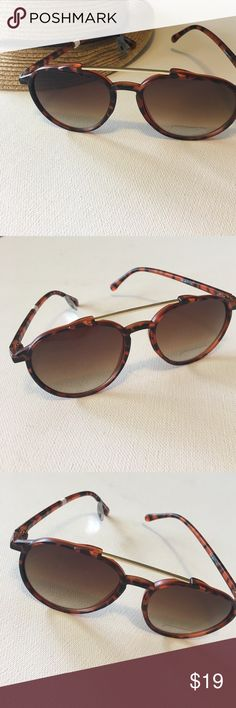 Retro Sunglasses Stylish retro sunglasses. Trendy and sophisticated. New without tags. Tortoise Shell frame. Accessories Sunglasses