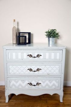 Shabby Chic home decor knowledge reference 4099201817 to plan with for a truly smashing, comfortable decor. Why not stop by the shabby chic home decor vintage link immediately for other ideas. Shabby Chic Furniture, Shabby Chic Interiors, Shabby Chic Bedrooms, Distressed Furniture, Painted Furniture, Bedroom Furniture, Shabby Chic Drawers, Furniture Stencil, Beach Furniture