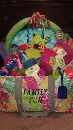 Large Utility Tote.  Beach gift basket.  You can shop online at www.mythirtyone.com/darmatys