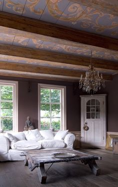 Ceiling design painted on antique floorboards, then mounted between the beams of an 18th century home. Garden Snails – Cepaea Hortensis by Peter Korver.