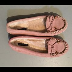 Pink moccasins from American Eagle Pink moccasins. Worn only once. Size 9 but could fit 8.5 American Eagle Outfitters Shoes Moccasins