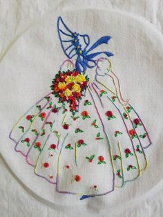 Irresistible Embroidery Patterns, Designs and Ideas. Awe Inspiring Irresistible Embroidery Patterns, Designs and Ideas. Hand Embroidery Dress, Hand Embroidery Patterns, Vintage Embroidery, Ribbon Embroidery, Cross Stitch Embroidery, Embroidery Transfers, Diy Sewing Projects, Embroidery Techniques, Bead Art