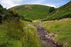 Visit Shropshire Hills AONB, scenic countryside in central England, also Shropshire hotels and holidays English Farmhouse, Picnic Spot, Tourist Information, Countryside, Golf Courses, Walking, England, Landscape, Places