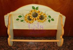 porta rollos girasoles Sunflower Art, Tissue Holders, Wine Rack, Decoupage, Projects To Try, Woodworking, Basket, Christmas Tree, Crafts
