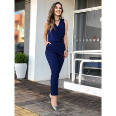 Classy Work Outfits, Office Outfits, Chic Outfits, Indian Designer Outfits, Outfit Trends, Work Attire, Jumpsuits For Women, Casual Chic, Casual Looks