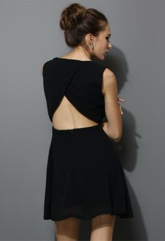 Chiffon Open-back Dress in Black