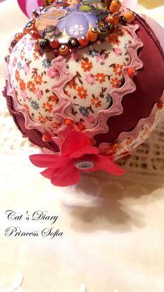 Cat Diary, Christmas Balls, Christmas Ornaments, Princess Sofia, Cheer, Bulb, Holiday Decor, Home Decor, Christmas Baubles