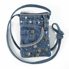 The Best Upcycled Denim Crafts & DIY Why not recycle your old jeans into somethi. The Best Upcycled Denim Crafts & DIY Why not recycle your old jeans into somethi. Diy Jeans, Denim Bags From Jeans, Diy Denim Purse, Sacs Tote Bags, Diy Sac, Denim Ideas, Embellished Jeans, Purses And Bags, Blue Jeans